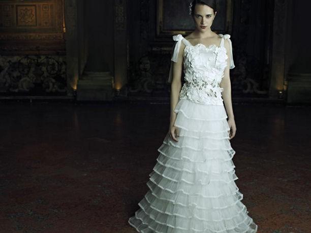 1e1512184a0e Alberta Ferretti Forever 2013  gli abiti da sposa indossati da Asia ...