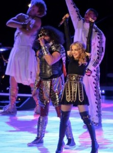 madonna in givenchy e ballerini in adidas by jeremy scott al superbowl