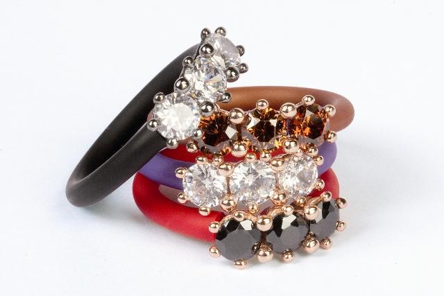 Moviestone anelli e bracciali trilogy foto drezzy for Idee per regali di natale