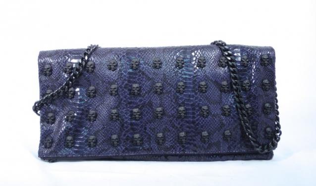 15ff955067 Borse coi teschi glamour, esagerate, ma con stile. Queste le bag di Mia Bag,  giovane brand Made in Italy che ci presenta alcune delle sue creazioni, ...