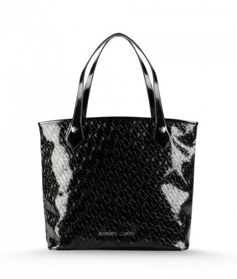 332935e6a5 armani-shopper-in-pvc-nero. Armani Jeans vuole presentare per la primavera  estate 2013 una collezione di bag molto frizzanti ...