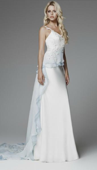 Matrimonio In Azzurro Polvere : Blumarine non solo bianco per gli abiti da sposa il