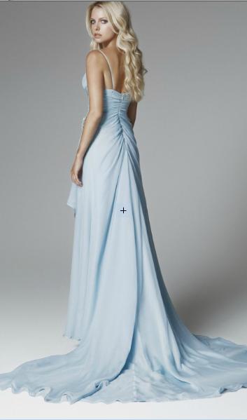 Tema Matrimonio Azzurro Polvere : Blumarine non solo bianco per gli abiti da sposa il