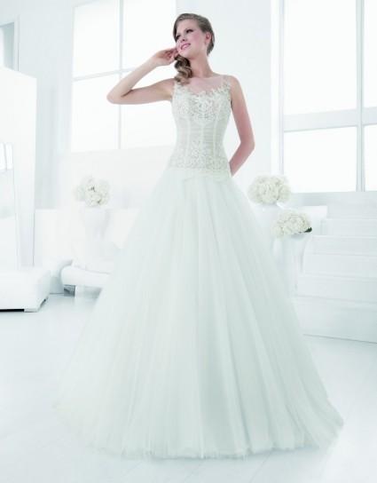 fa86771c707fa abito-con-corpino-in-pizzo Gli abiti da sposa di Carlo Pignatelli per il  2015 sono davvero ...