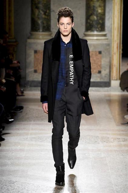 huge inventory 1422c a2206 Milano Moda Uomo Roberto Cavalli: l'uomo deluxe per l ...