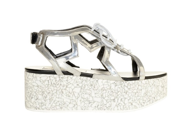 best sneakers 262b4 b8a3d Stella McCartney scarpe: i sandali con la zeppa e la stella ...