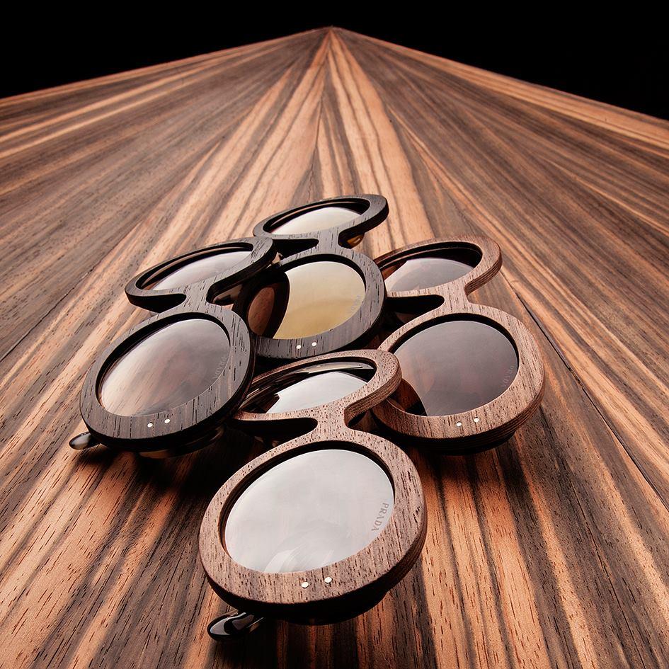 Prada raw la collezione di occhiali in legno drezzy for Occhiali da sole montatura in legno