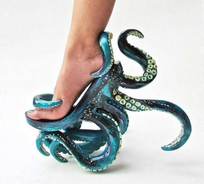 super popolare 53ae7 fd565 Scarpe col tacco: i modelli più bizzarri sul web (foto) | Drezzy