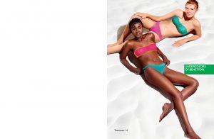 L'estate è entrata nel vivo e se fino a qualche settimana fa il costume da bagno si poteva cercare con estrema calma, adesso è assolutamente necessario perché il caldo, quello vero, è finalmente arrivato. Come ogni anno anche il fashion brand United Colors Of Benetton ci presenta la sua collezione di costumi da bagno, modelli colorati e glamour perfetti per tutte le ragazze che amano vivere la spiaggia e il mare a 360°. I costumi United Colors Of Benetton per l'estate 2016 sono molto carini, modelli variegati e glamour per tutti i gusti e tutte le esigenze, ci sono i costumini più basic a righe o in tinta unita ma anche quelli con stampe sbarazzine come quella con i cocomeri, molto carine anche le stampe con i cuoricini, le striscioline e i fiori. United Colors Of Benetton ci propone tanti modelli diversi dai classici bikini a fascia a quelli a balconcino o con i volant, non mancano neanche i costumi interi e i trikini